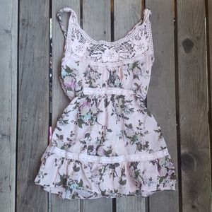 Vanity Small Pink floral top with crochet neckline